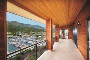 balcony1 at Tigers Den luxury lodge marlborough sounds nelson picton new zealand  holiday house